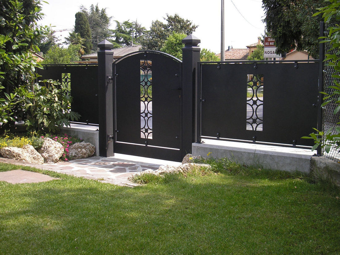 Cancelli e recinzioni vm carpenteria for Immagini recinzioni